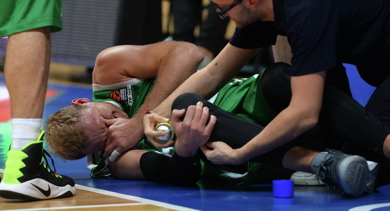 Травмы колена часто приводят к отложению солей в суставе